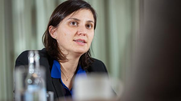 suzana-trifunovic-ist-expertin-fuer-immobilien-in-zuerich