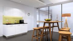 Kitchenette Basic with dark rubber bottom